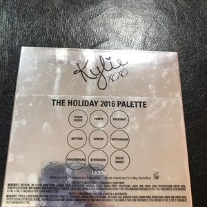 Kylie Cosmetics Makeup - Kylie Cosmetics holiday 2016 Palette!